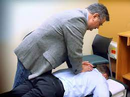 Spinal Adjustment is a Non-Invasive Chiropractic Treatment